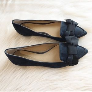 Ann Taylor Dana flat pointed toe bow 7M navy blue